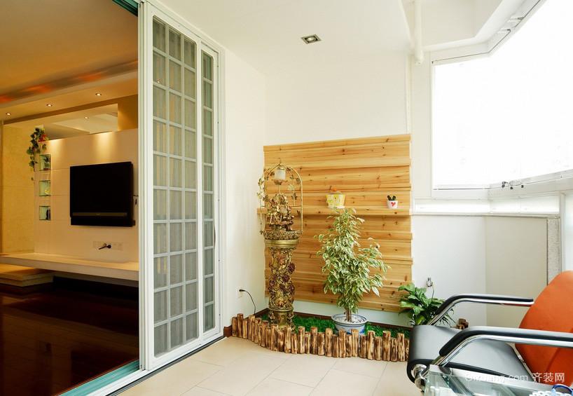 温馨简约三居室家居阳台装修设计效果图