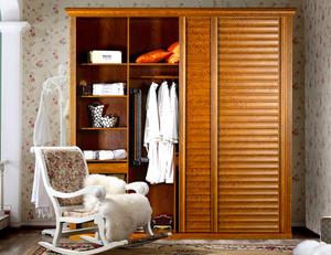 北欧风格清新卧室实木整体式衣柜装修效果图
