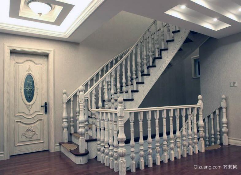 精致别墅型实木楼梯装修效果图
