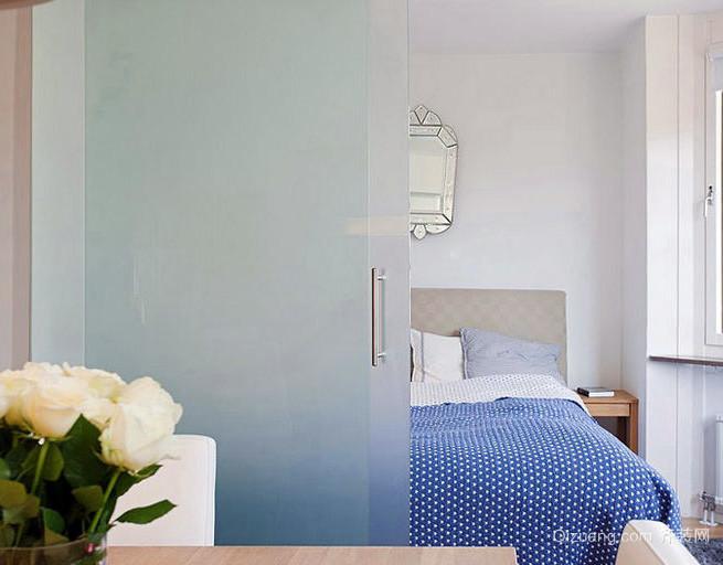 卧室磨砂玻璃推拉门隔断墙设计效果图 齐装网装修效果图