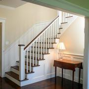 现代简约风格复式楼小型楼梯装修效果图