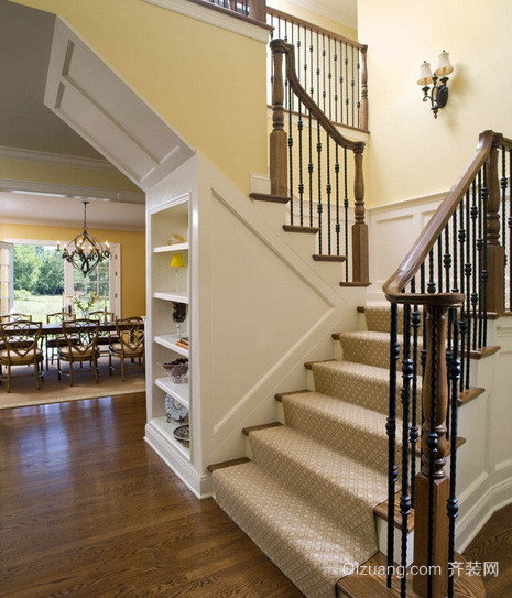 美式简约风格小型复式别墅楼梯装修图
