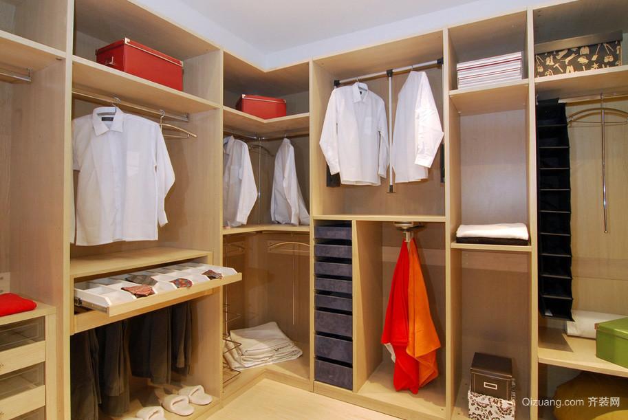 现代简约大户型家庭衣帽间实木衣柜效果图
