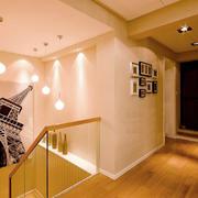 复式楼楼梯装饰画