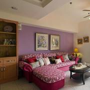公寓客厅紫红色沙发