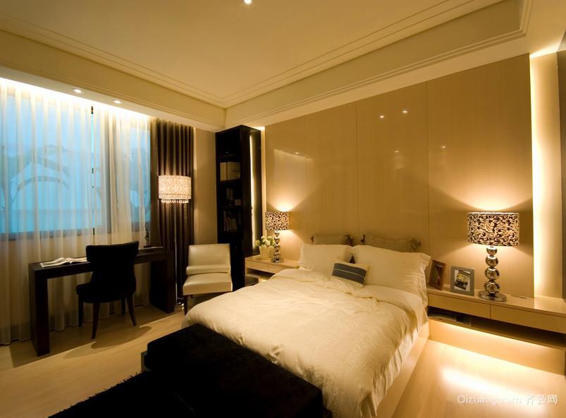 后现代米黄色小卧室装修效果图