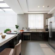 复式楼开放式厨房橱柜