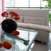 家庭客厅米白色沙发
