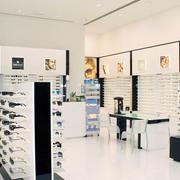 北欧风格清新眼镜店装饰