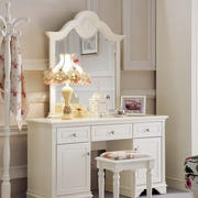 欧式风格卧室原木白色系梳妆台装修效果图
