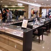 大型购物商场眼镜店装饰