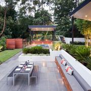 简约现代化的庭院