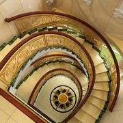 500平米欧式别墅室内旋转楼梯装修效果图