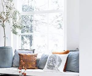 都市风格浅色小户型客厅飘窗装修效果图