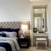 复式楼精致卧室床头梳妆柜装饰效果图