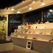 鞋店实木鞋柜设计