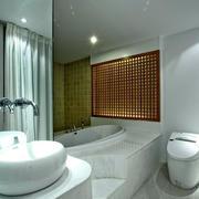 复式楼现代简约风格小浴室装修效果图