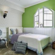 三房两厅清新卧室壁纸