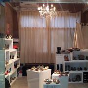 欧式风格奢华鞋店装饰