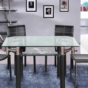 后现代风格简约玻璃面餐桌椅装修效果图