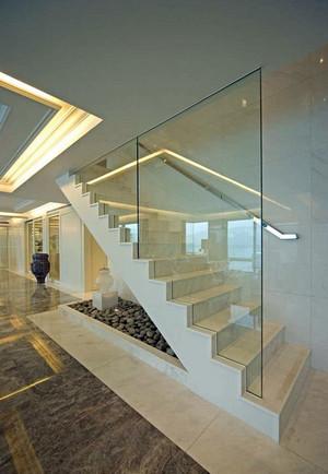 跃层简约清新风格客厅楼梯装修效果图