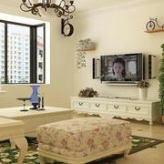 80平米房屋客厅电视背景墙装饰