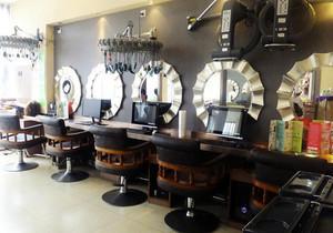 50平米动感美发店装修效果图