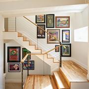 二居室温馨色调楼梯装修效果图