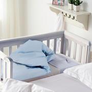 北欧风格白色系简约婴儿床装饰