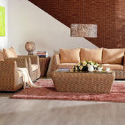 小型复式楼客厅藤编沙发装修效果图片