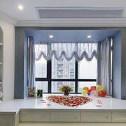 精美的飘窗窗帘设计