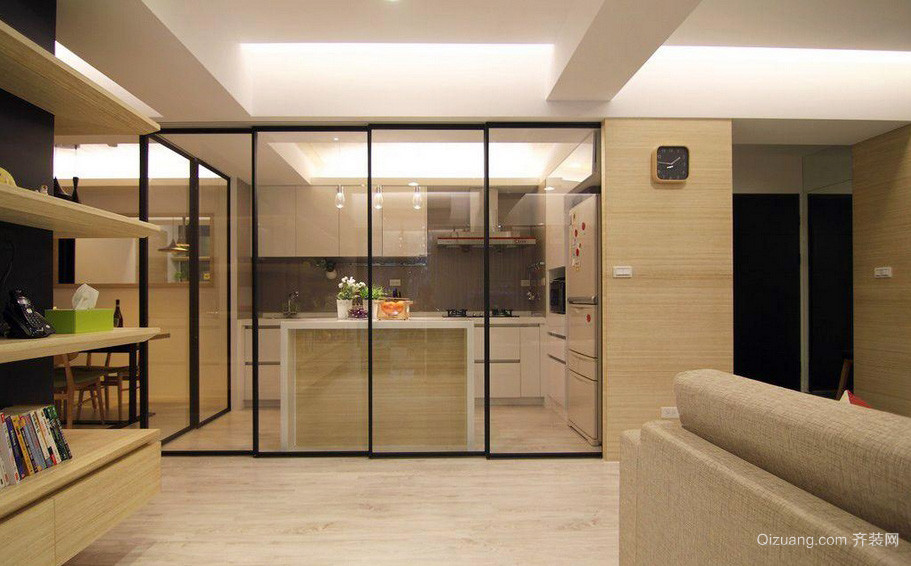 温馨暖色调大户型厨房玻璃隔断装修效果图