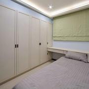 现代两居室卧室组合衣柜装修效果图
