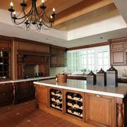 别墅美式简约原木深色系厨房装修效果图