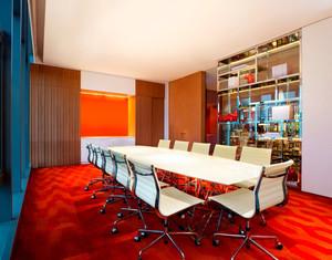 靓丽摩登大户型杂志社会议室装修效果图