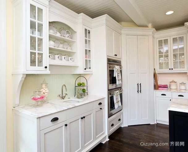 欧式简约田园风格小型厨房装修效果图