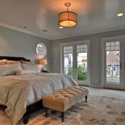 30平米美式简约风格卧室吊顶装修效果图