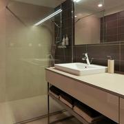 后现代风格单身公寓深色系卫生间装修效果图