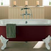 简约风格红色系浴缸装饰