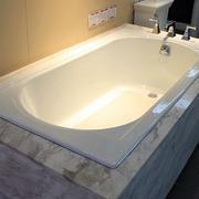 整体式内嵌式浴缸装饰