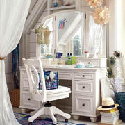 小木屋别墅卧室欧式梳妆台装修效果图片