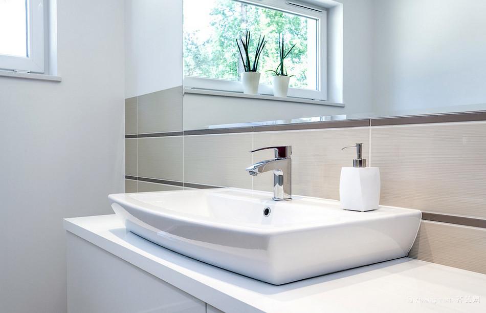 18平米细腻宜家小户浴室装修设计图