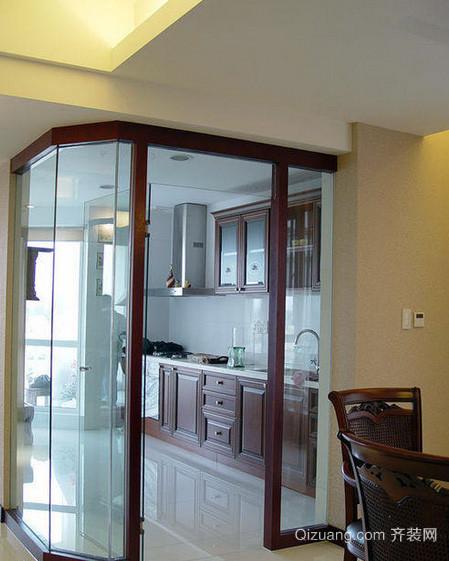 复式楼亮丽型厨房玻璃隔断装修效果图