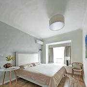 小户型干净明亮卧室
