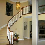 完美典雅的别墅型实木楼梯装修效果图