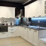 简欧风格大户型白色厨房装修效果图