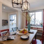 小户型餐厅实木餐桌