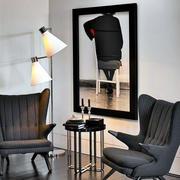 118平米客厅现代黑白装饰画效果图片