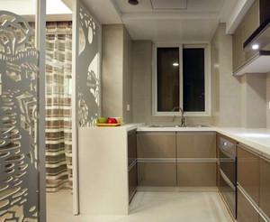 单身公寓厨房磨砂玻璃隔断装修效果图