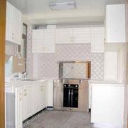 复式楼欧式简约风格U型厨房橱柜装修效果图